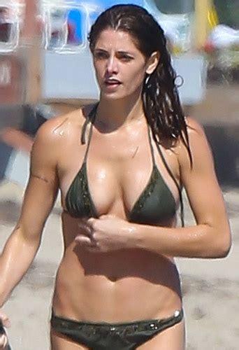 Celebrity Rageroo Celeb Movies | эшли грин вампирша в купальнике эшли грин фото 3