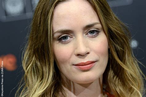 what is a celebrity gossip emily blunt 171 celebrity gossip and movie news