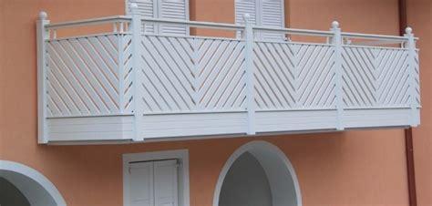Lunghi Balconi Con Ringhiera by Informazione E Prezzi Per Ringhiere E Recinzioni In Pvc