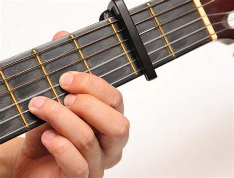 Alat Musik Capo Guitar Ed02 gambar menggunakan capo gitar audio broadcast gambar pensil di rebanas rebanas