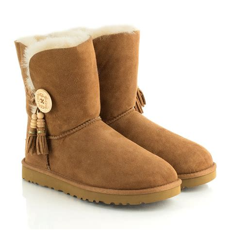 ugg 174 chestnut bailey charms women s boot
