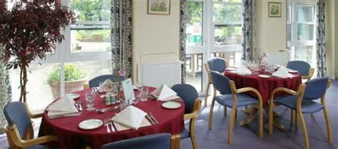 oaks care home horsham west sussex bn5 9uy
