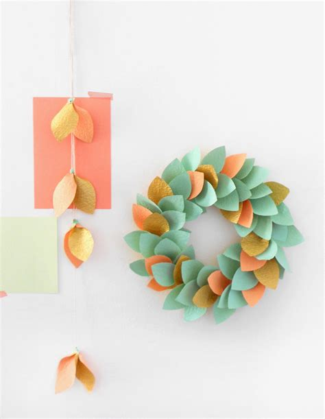 Make A Paper Wreath - tutorial make a paper wreath we are scout
