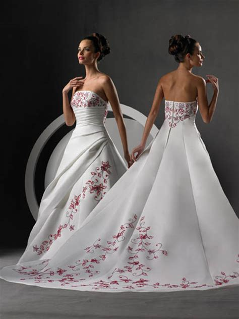 Wedding Dresses 2009 by Wedding Organizer Trends 2009 Wedding Dresses