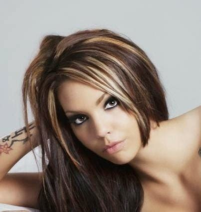 chunking or highlighting short brown hairstyle 12 flattering dark brown hair with caramel highlights