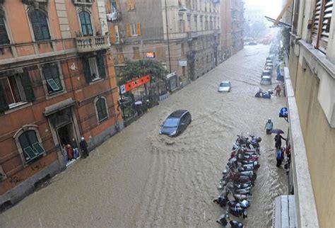 treno pavia genova emergenza flooding cinque terre inondazioni nel nord italia
