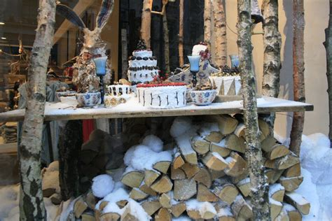 stores like anthropologie i love anthropologie displays this christmas the window