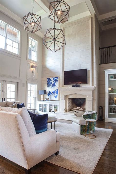Vaulted Ceiling Fireplace Ideas by Best 25 Fireplace Ideas On Ceilings Living Room Decor High Ceilings And