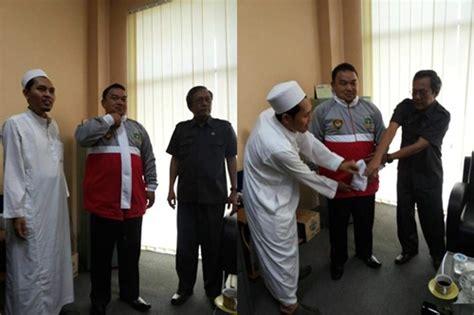 Seragam Fpi Jaket Paskibraka Banten Bermotif Salib Akhirnya Di Copot