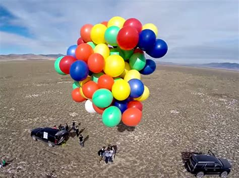 Lawn Chair Balloon by This Dude Floated Up To 8 000 With Nothing But