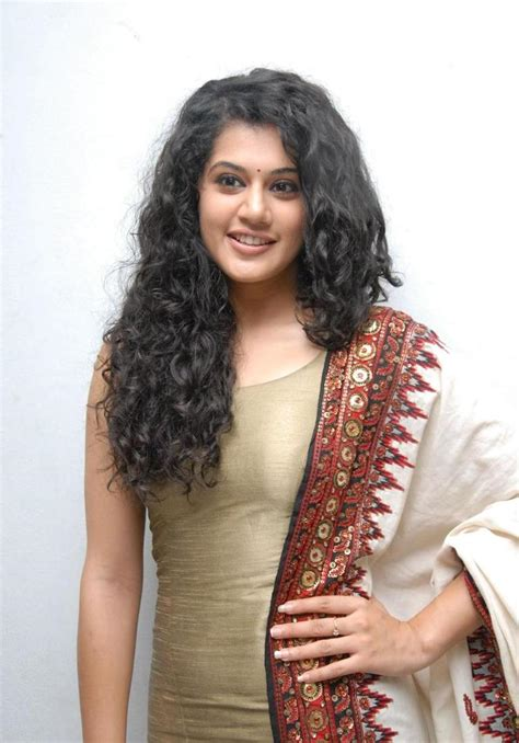 tamil actress curly short hairstyles wallpapers of tapsee pannu actress wallpapers
