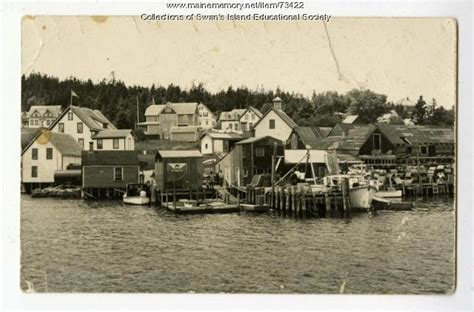 a history of swan s island maine classic reprint books maine memory network barter s wharf swan s island ca 1940