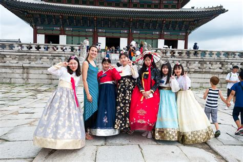 Dress Seoul hanbok experience wearing traditional korean dress in
