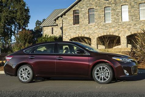 2015 toyota avalon new car review autotrader
