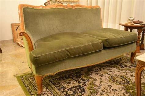 divano antico pi 249 di 25 fantastiche idee su divano antico su