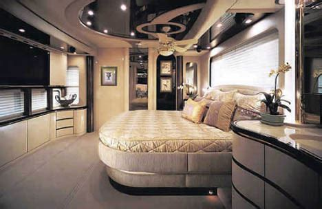 World?s Most Luxurious and Expensive Mobile Home