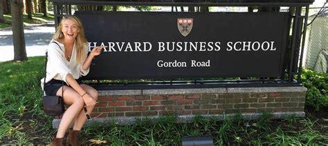 Sharapova Harvard Business School Mba by Sharapova Enrolls For The Mba Program At Harvard