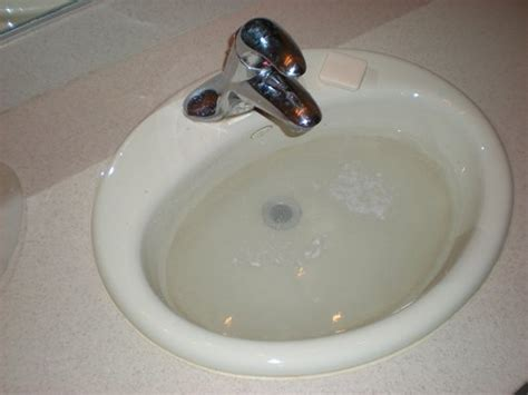 unclog bathtub drain vinegar unclogging a bathtub drain with baking soda and vinegar