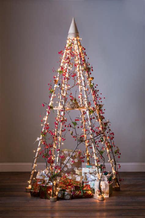 fishing line christmas tree comment se faire un arbre de noel diff 233 rent et joli 49 id 233 es pour votre noel magique archzine fr