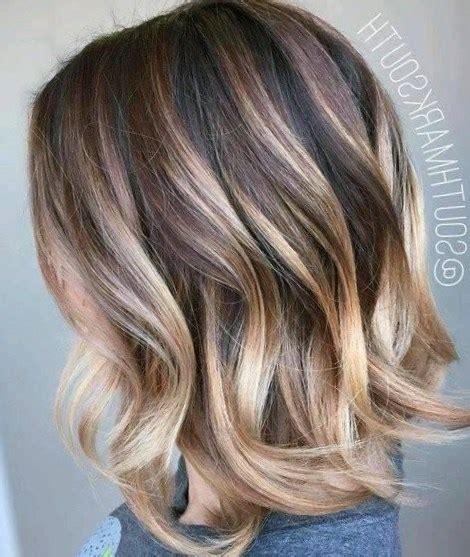 mechas cabello corto pelo corto con mechas rubias