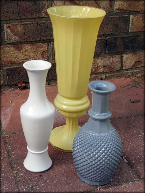 spray painting glass vases 25 best ideas about painted glass vases on