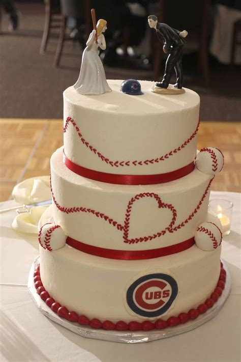 25  best ideas about Chicago Cubs Cake on Pinterest