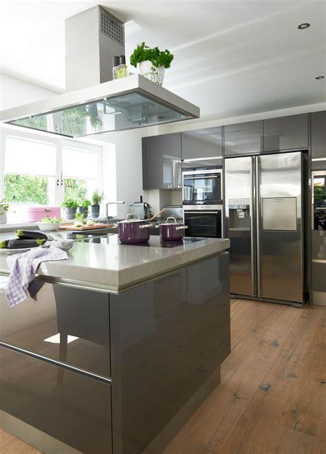 moderne einbauküchen wohnzimmer design schwarz wei 223