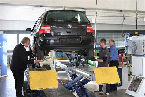 Autowerkstatt Vergleich by Defekte Sto 223 D 228 Mpfer Testen Bilder Autobild De