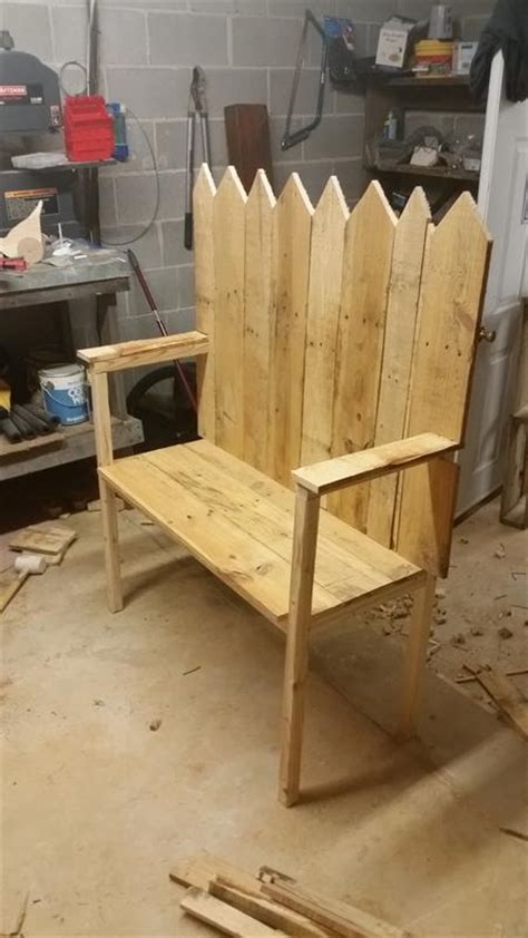 pallet wood bench buildsomethingcom