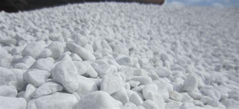 ciottoli bianchi da giardino ciottoli bianchi di marmo bianco carrara bombardieri