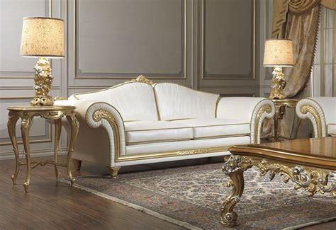 poltrone e divani classici imperial poltrone e divani classici in pelle beige