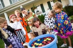 children s halloween party games halloween games fun halloween party games for all ages