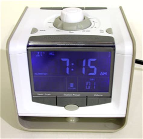 american innovative neverlate executive 7 day alarm clock review the gadgeteer