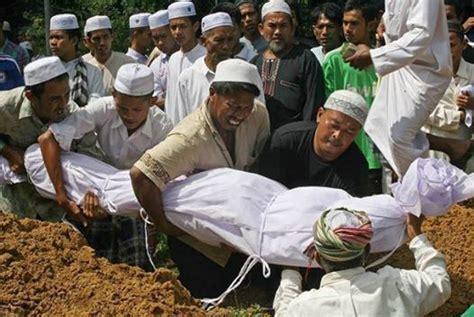 Buku Agama Islam 10 Wanita Ahli Surga New Dr Musthafa Murad 10 jenis mayat yang tidak akan busuk di dalam kubur
