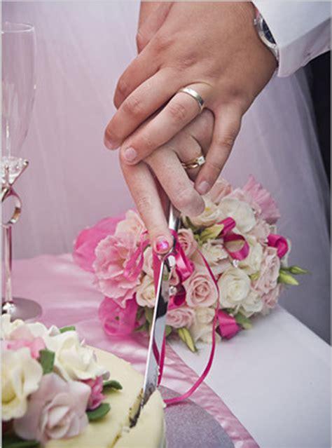 Hochzeitstorte Lieferung by Tortenheber Und Messer F 252 R Die Hochzeitstorte Zum Bestellen