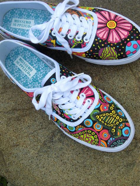 how to paint shoes doodle shoes how to decorate canvas shoes with acrylic