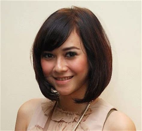 model rambut wajah bulat hairstyle for round face girl 2016