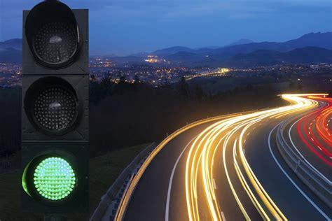 traffic light new app seeks to improve timing at traffic lights jstor