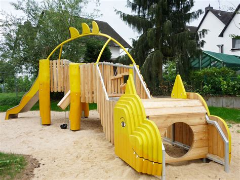 Swing Frankfurter Ring by Kinderland Giessen Playground