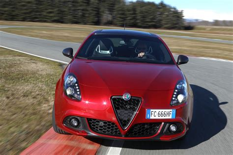 facelifted alfa romeo giulietta debuts  modest updates