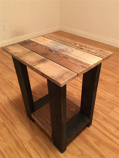 Pallet Side Table 26 Diy Pallet Side Table Diy To Make