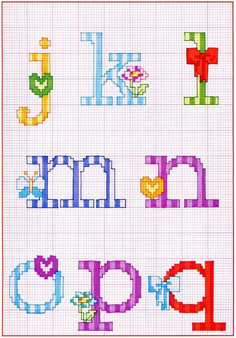 alfabeto con fiori alfabeto punto croce con fiocchi fiori e farfalle 2