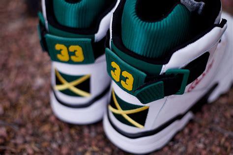 jamaican colored sneakers i order two wings jamaican colored ewings scandinavian