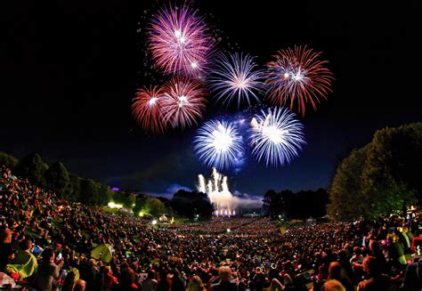 Britzer Garten Feuerwerk by Feuerblumen Und Klassik Open Air Im Britzer Garten Am 2