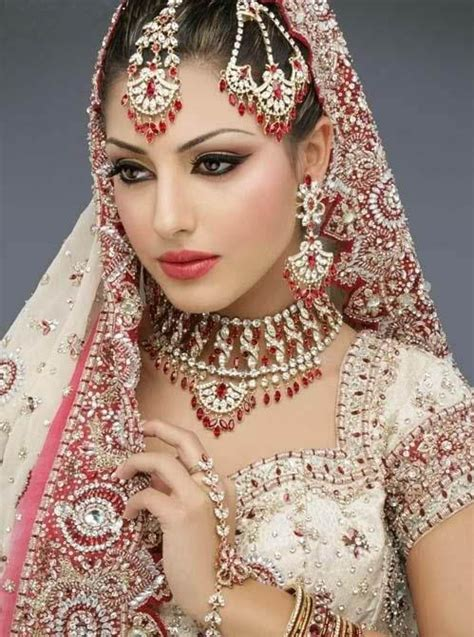 Indian Bridal makeup and jewellery design   Neeshu.com