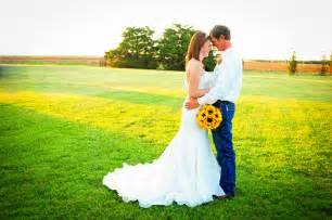Wedding Venues In Okc Sunflower Theme Country Wedding Rustic Wedding Chic
