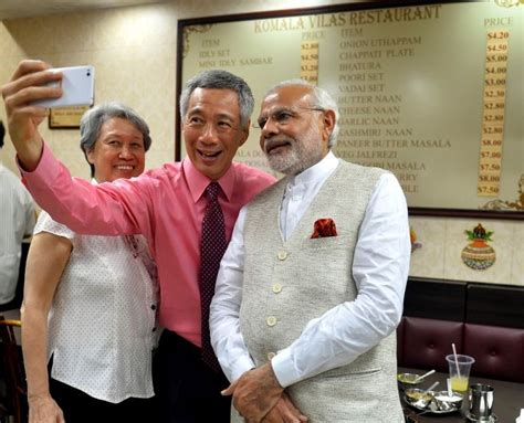 lee hsien loong fathers state funeral will be a moment pm lee hsien loong invites pm modi to have tea with him in