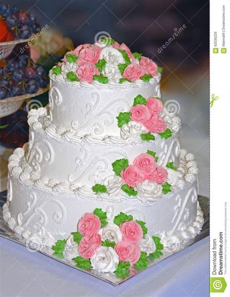 Hochzeitstorte Creme by G 226 Teau De Mariage Blanc D 233 Cor 233 Des Fleurs De Cr 232 Me Photo