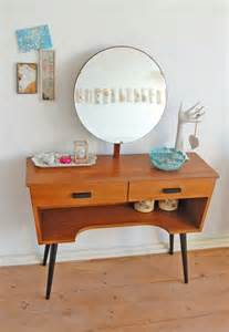 Modern Vanity Table Best 20 Modern Vanity Ideas On Modern Makeup Vanity Modern Vanity Table And Modern