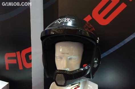 Helm Nhk Untuk Balap hobi balapan mobil nhk kini bikin helm mobil lho ganlob ganlob